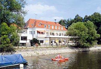 hotel strandhof m hnesee pension ferienwohnung bahnhofstr 26 59519 m hnesee wamel. Black Bedroom Furniture Sets. Home Design Ideas